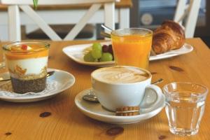 Petit Cafe